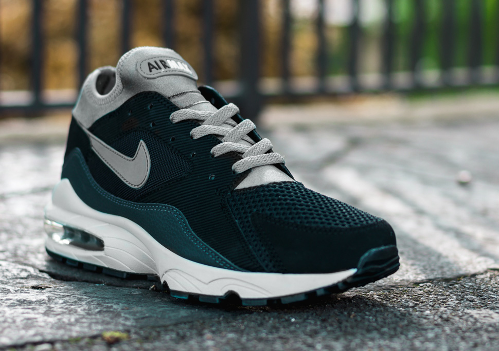 Nike Air Max 93 Black Pure Platinum - Le Site de la Sneaker