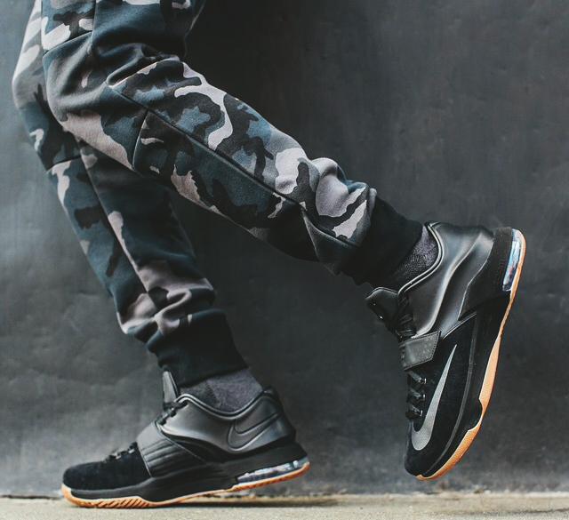 ff0dbadf5635 Nike KD 7 EXT Black Suede - Le Site de la Sneaker