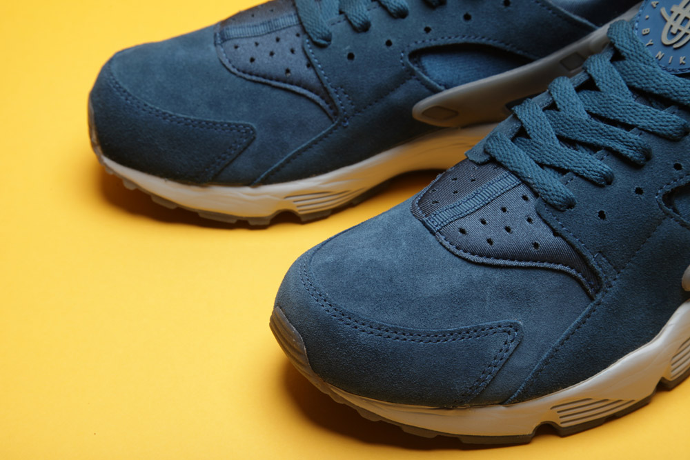nike-air-huarache-blue-force-anthracite-3