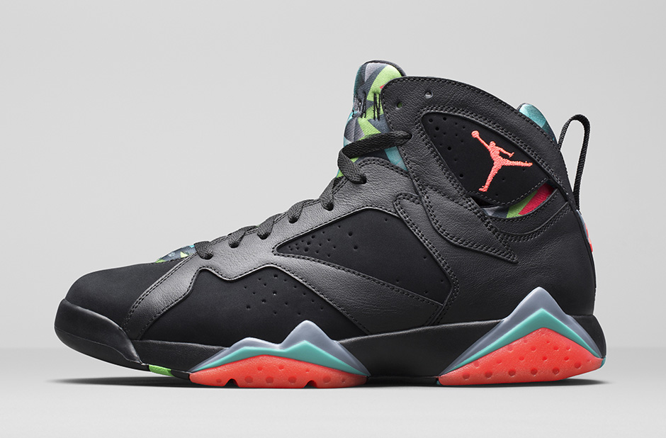 air-jordan-7-retro-marvin-martian-30th-anniversary-