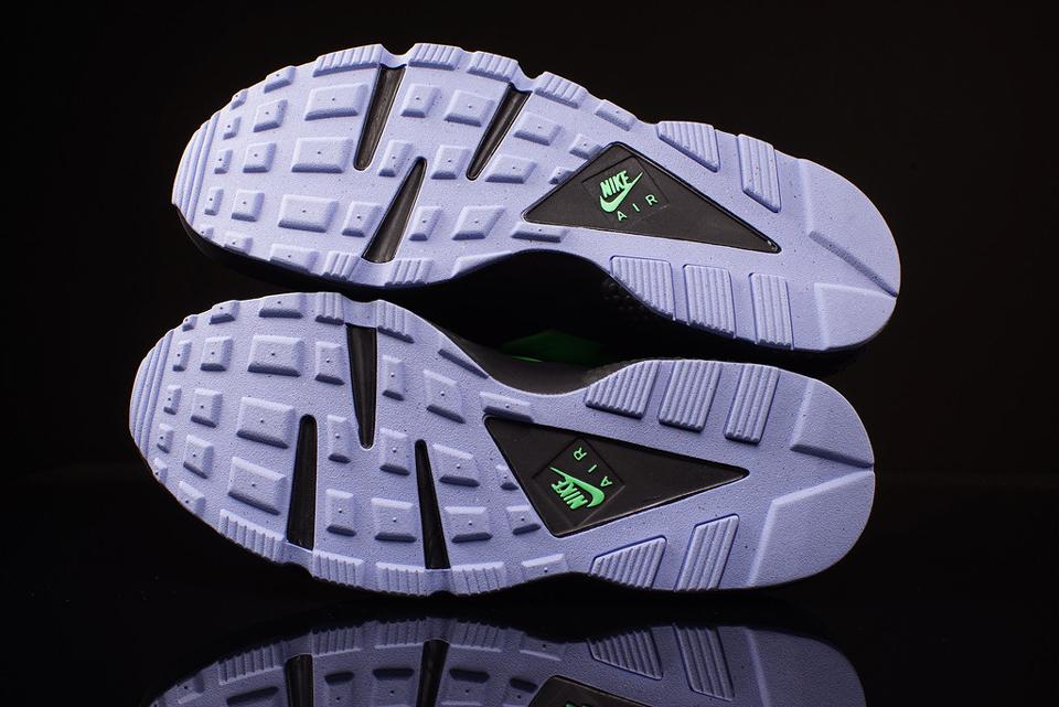 reputable site 6f6e6 bf144 Nike Air Huarache Run FB Poison Green - Le Site de la Sneaker