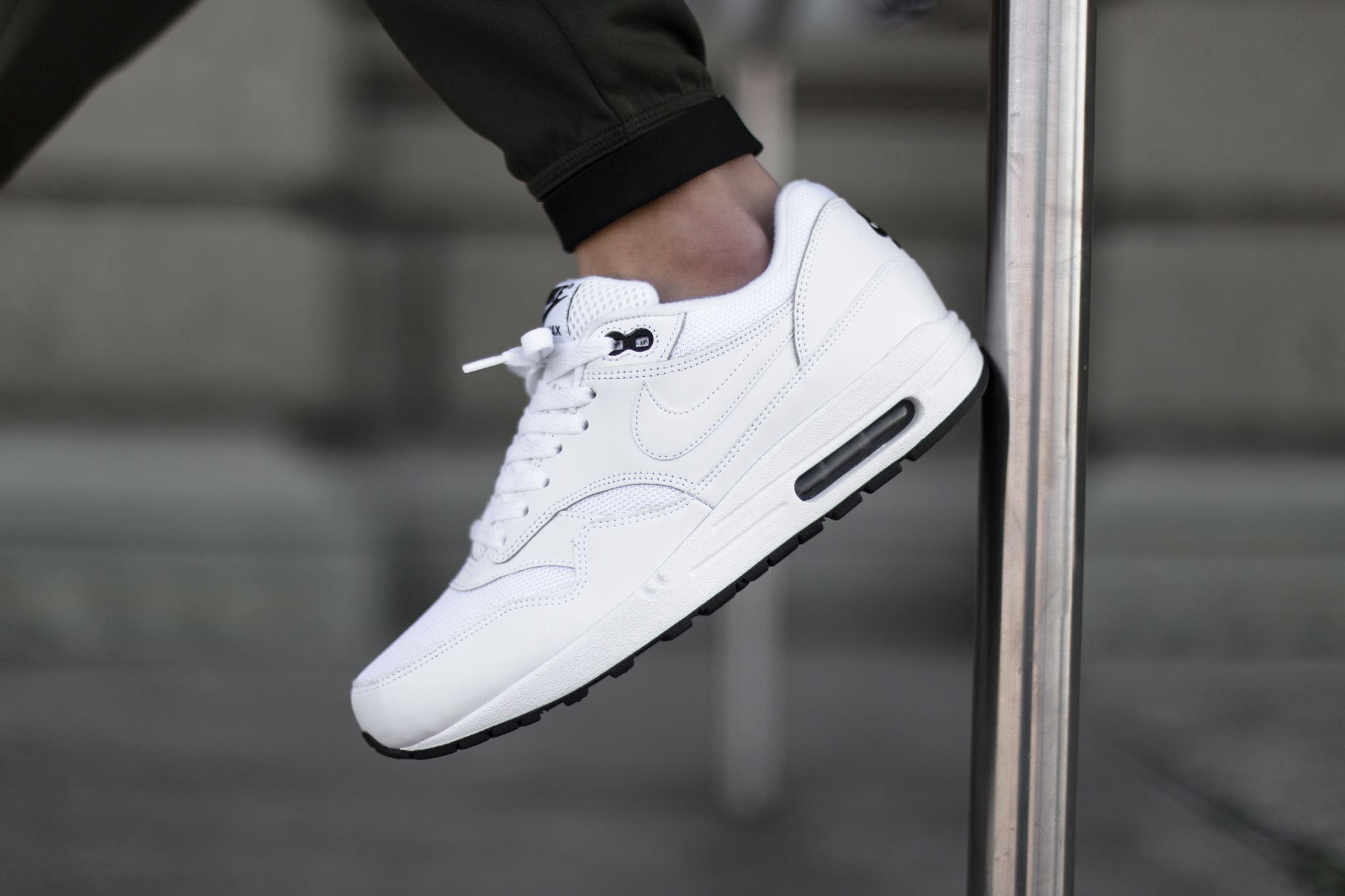 1 Sneaker Black Max White Le De Nike Air La Site Essential KJcTlF1