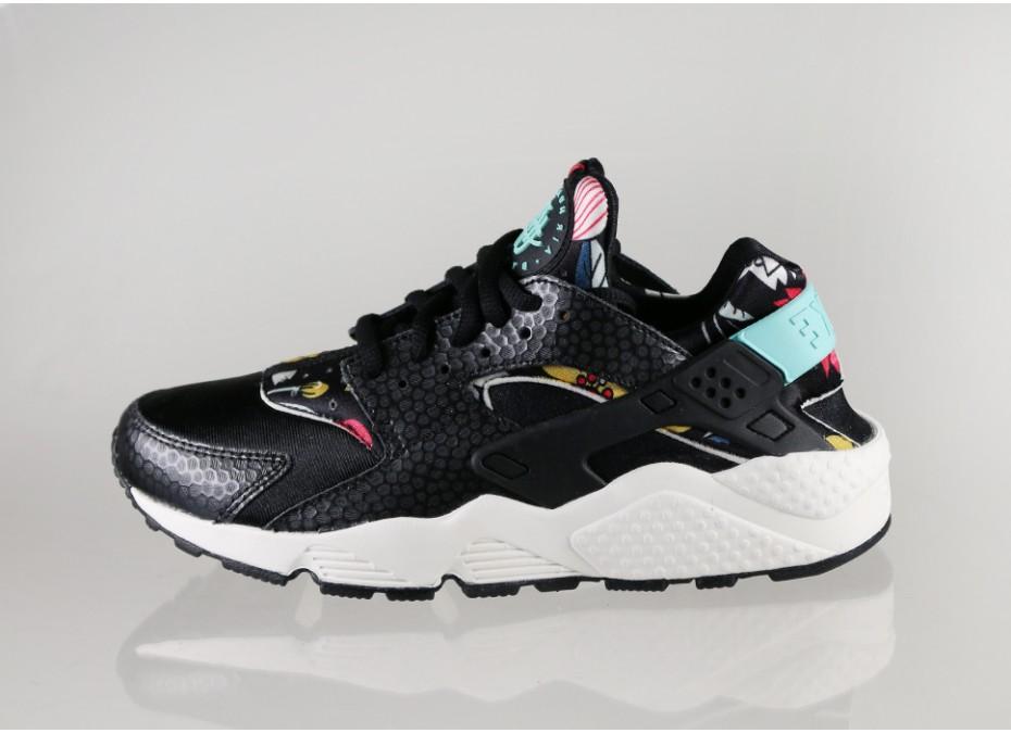 cb18d7b53d8b Nike WMNS Air Huarache Aloha Black - Le Site de la Sneaker