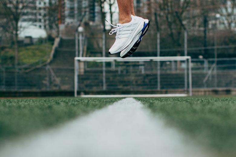 Adidas Energy Boost Esm Quot All White Quot Le Site De La Sneaker