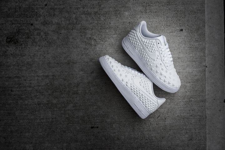 official photos 1cfa3 d2396 nike-air-force-1-white-independence-day