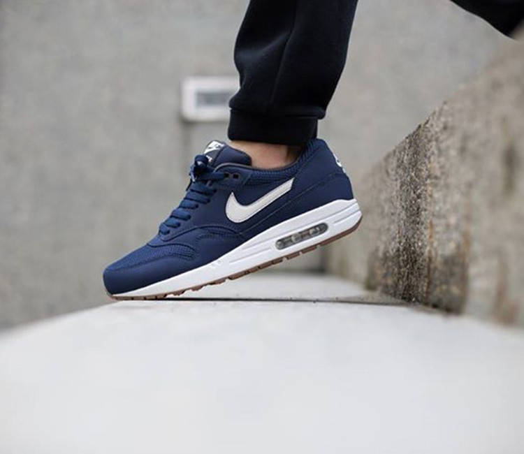 les ventes chaudes 87694 c00fc Nike Air Max 1 'Midnight Navy/Light Bone'