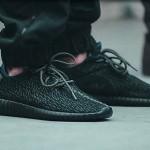 adidas-yeezy-350-boost-black-date-sortie