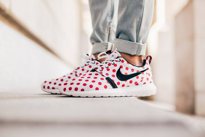 hot sale online 3bba6 72138 nike-roshe-nm-polka-dot-pack-4