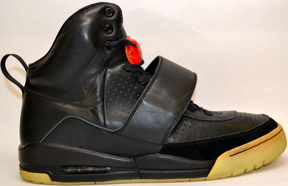 Une De Site Nike 1 Vente À Air La 000Le En Prototype 75 Yeezy y0mPnOv8wN