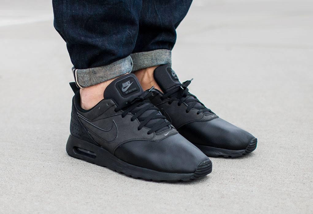 Nike Air Max Tavas Triple Black