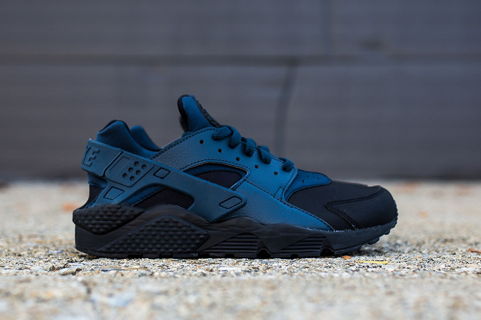 nike,air,huarache,black,squadron,blue,2