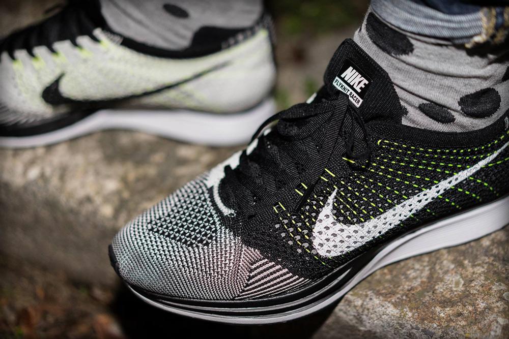 magasin d'usine a638d 195c3 Nike Flyknit Racer Black/White-Volt