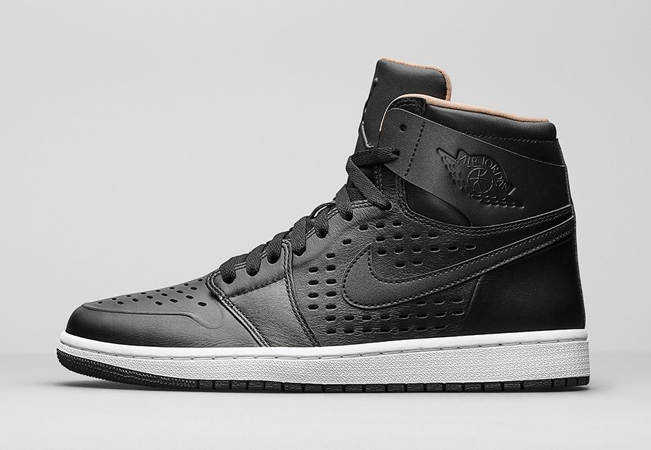 air-jordan-1-high-retro-perforated-black-845018-