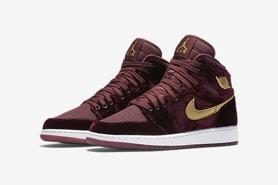 air-jordan-1-retro-high-og-heiress-velvet-