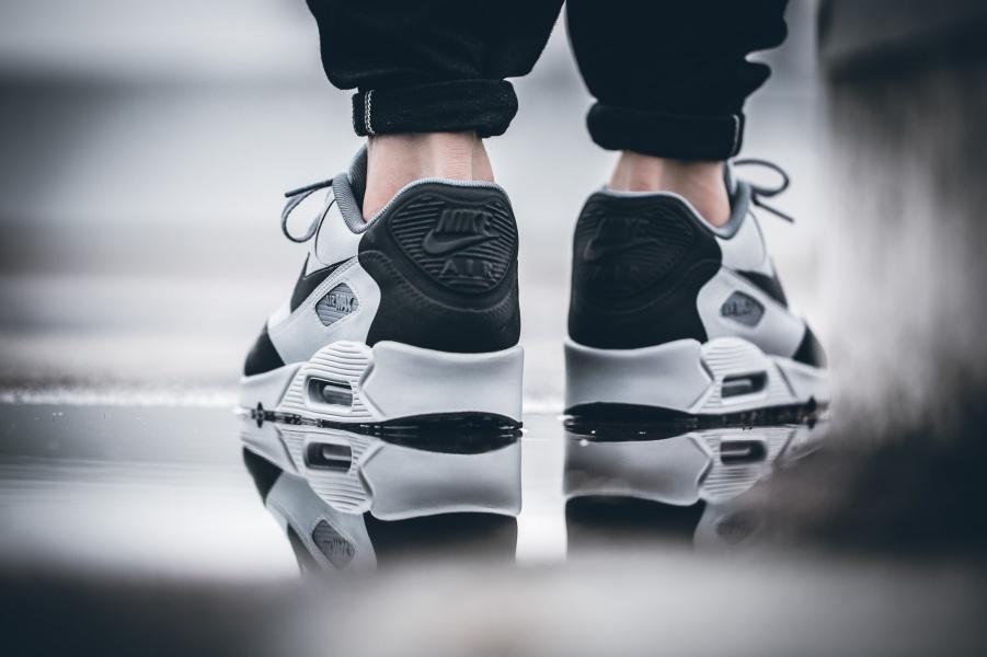 734dd6bd612c Nike Air Max 90 Premium Wolf Grey - Le Site de la Sneaker