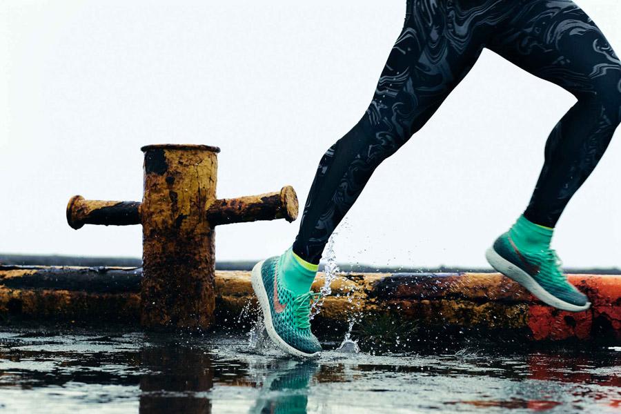 Nike LunarEpic Flyknit Shield - Le Site de la Sneaker ccf1f2702