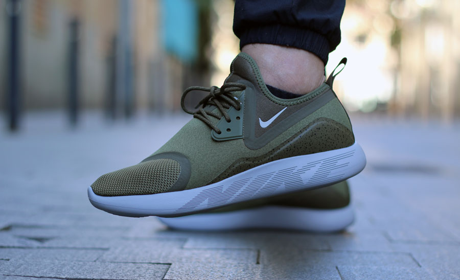chaussure nike lunarcharge