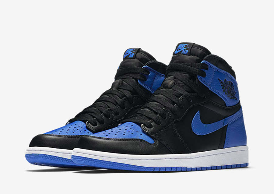 Air jordan 1 royal 2017 le site de la sneaker for Jordan royal 1 shirt
