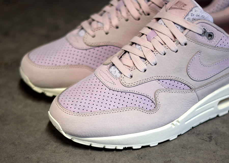 Nike Air Max 1 Lila