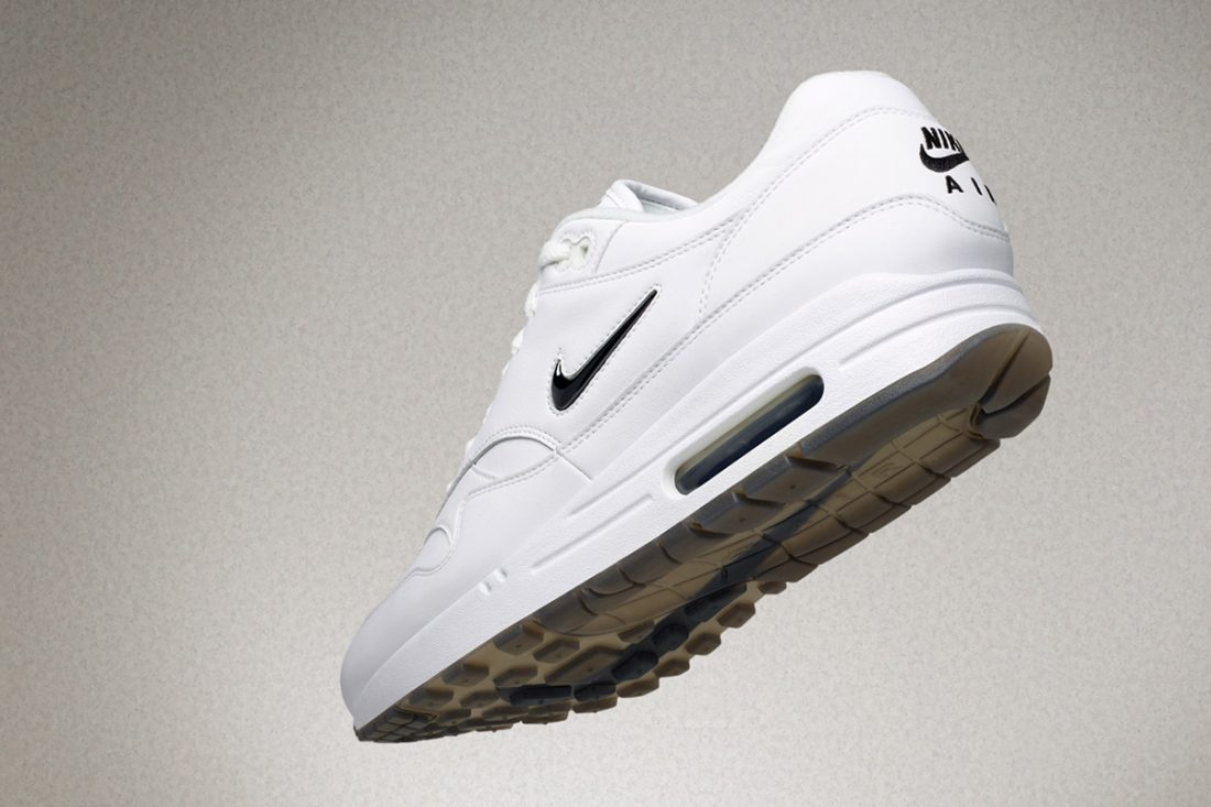 air max blanche et diamant