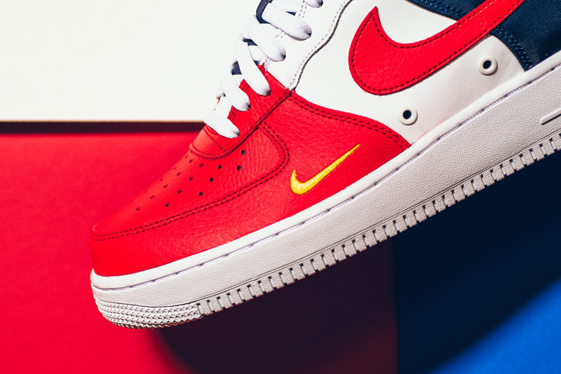 Nike Air Force 1 '07 LV8 Mini Swoosh bleu blanc rouge