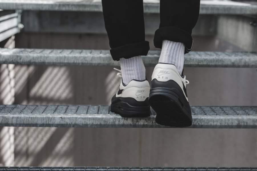 Nike Air Max 1 Premium Dark Obsidian - Le Site de la Sneaker 59396033c2