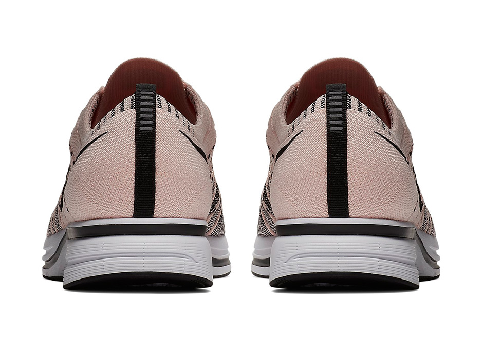 best sneakers d4770 2c3db nike trainer rose
