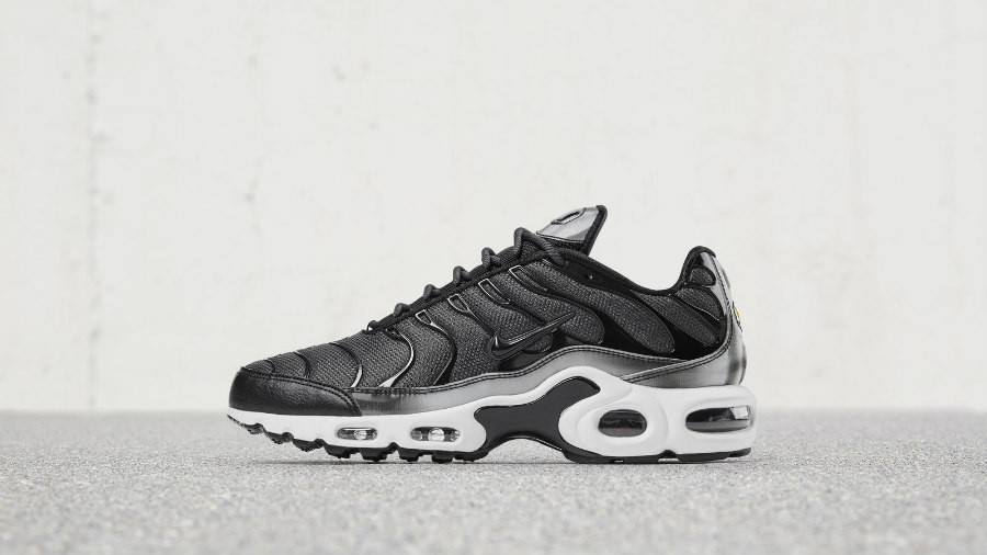 Preview: Nike WMNS Air Max Plus SE Holographic Black Le