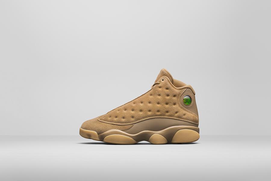 dbb7f542c8c6f2 Air Jordan 13 Golden Harvest - Le Site de la Sneaker