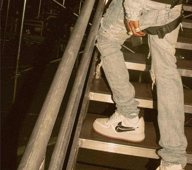 Sneaker Travis Low De 1 Air Site Nike La Force Le Scott IATvW1