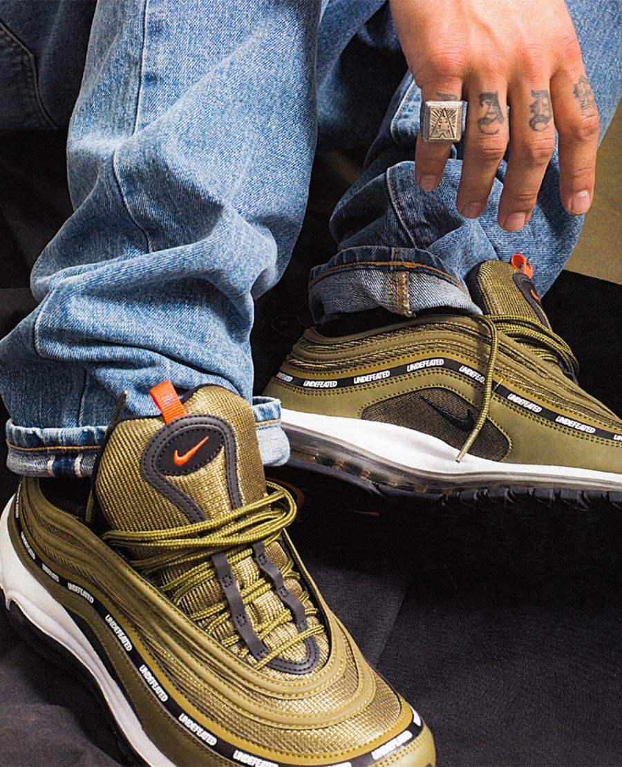 undefeated-nike-air-max-97-olive-1