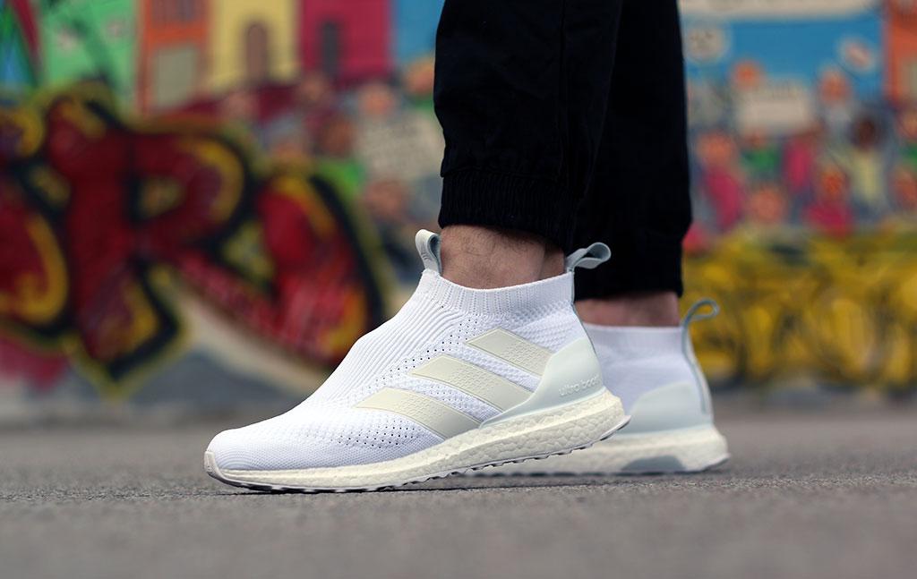 8c1927da0 adidas A 16+ Purecontrol Ultraboost Triple White - Le Site de la Sneaker