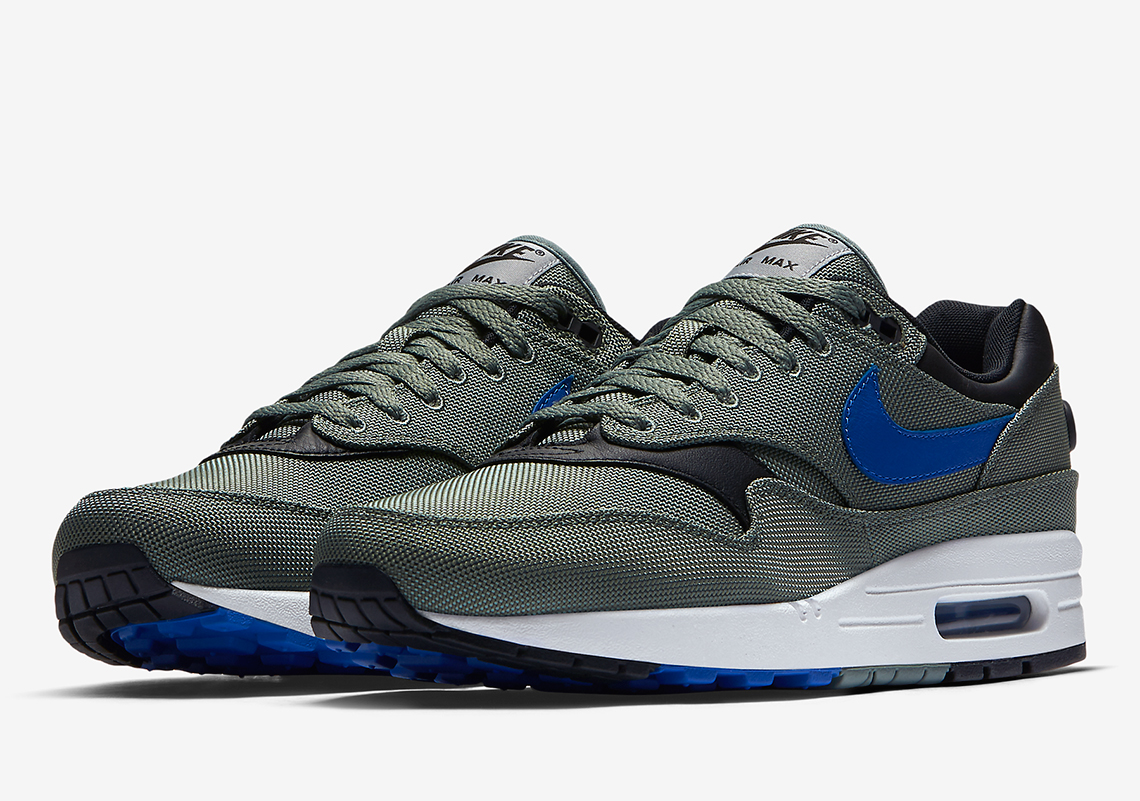 nike air max 1 clay green air max 93 logo le site de la sneaker. Black Bedroom Furniture Sets. Home Design Ideas