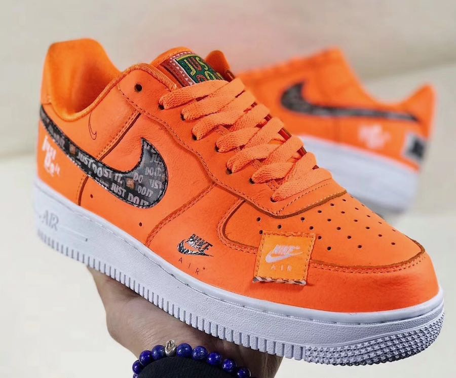 air force one femme blanche orange