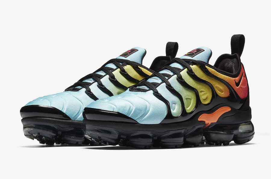 promo code undefeated x outlet on sale Nike WMNS Air VaporMax Plus Bleached Aqua
