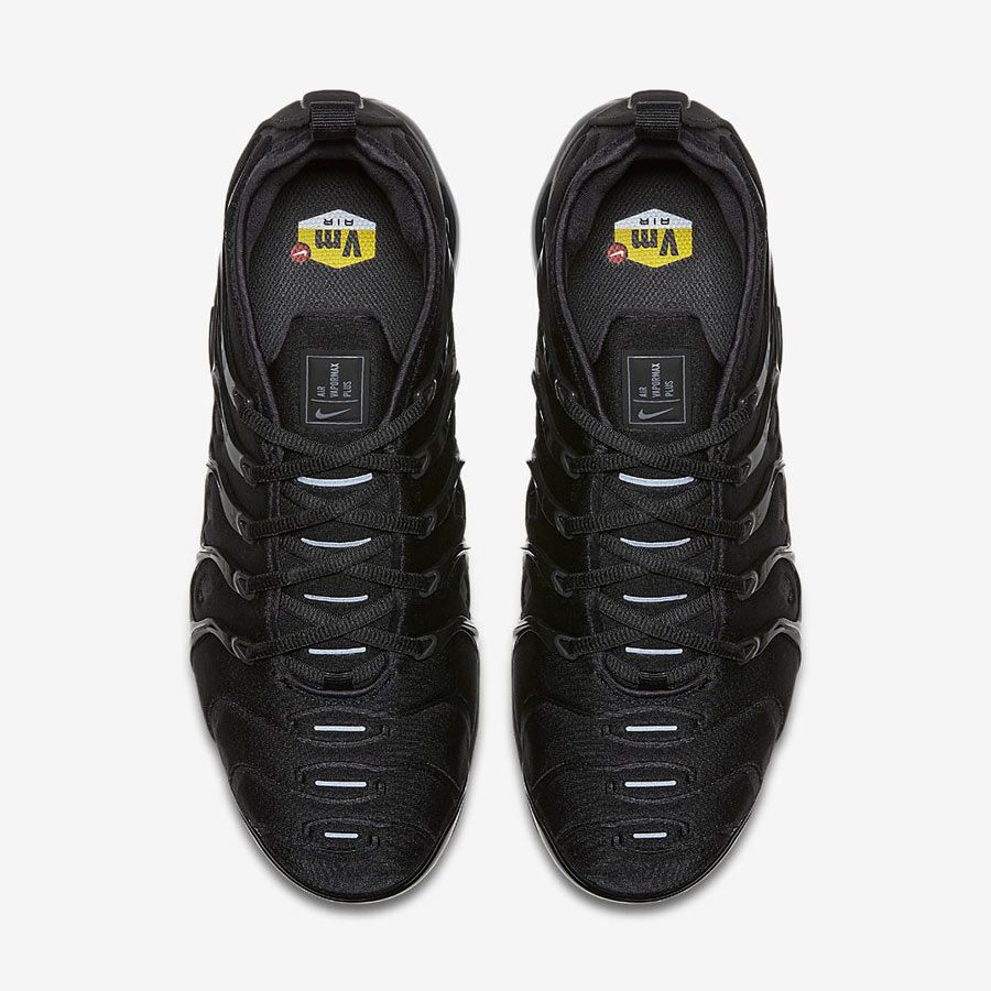 outlet store cd13e 6f4db Nike Air VaporMax Plus Triple Black