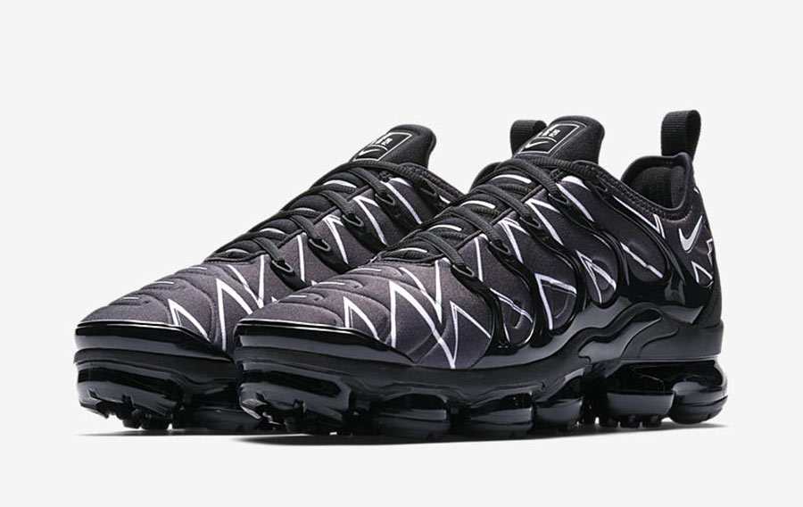 online store e243c 35ec0 nike-air-vapormax-plus-white-black-requin-AJ6312-