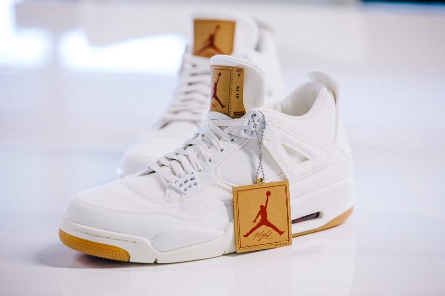 5bd0bcabd0f Levi s x Air Jordan 4 White Denim - Le Site de la Sneaker