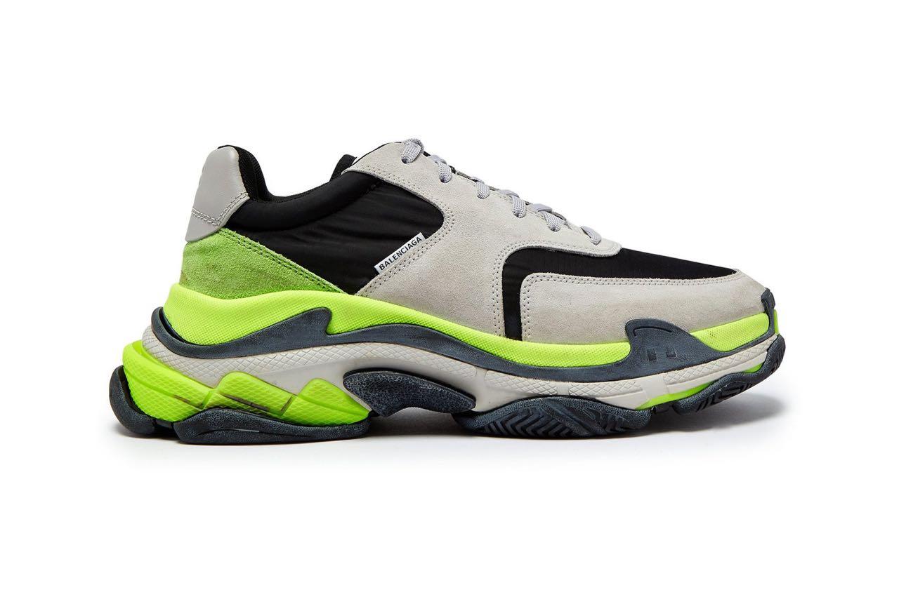 c65dff403779 Balenciaga Triple S Grey Black Volt - Le Site de la Sneaker