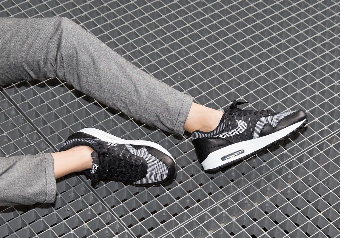 Nike WMNS Air Max 1 SE Black White Le Site de la Sneaker