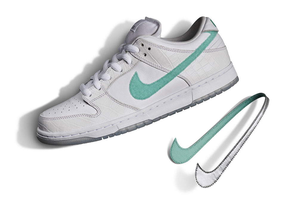 huge selection of 5cca2 dee15 Diamond Supply Co. x Nike SB Dunk Low White