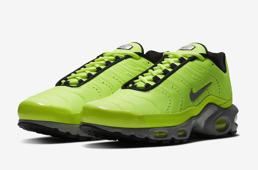 Nike Air Max Plus Premium Full Volt