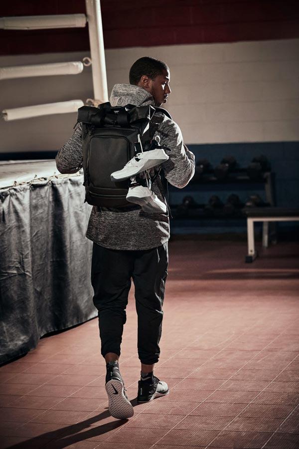 Pour 2 Imagine Creed Site Nike La De Sneaker Le Film Une Collection YvfgymI7b6