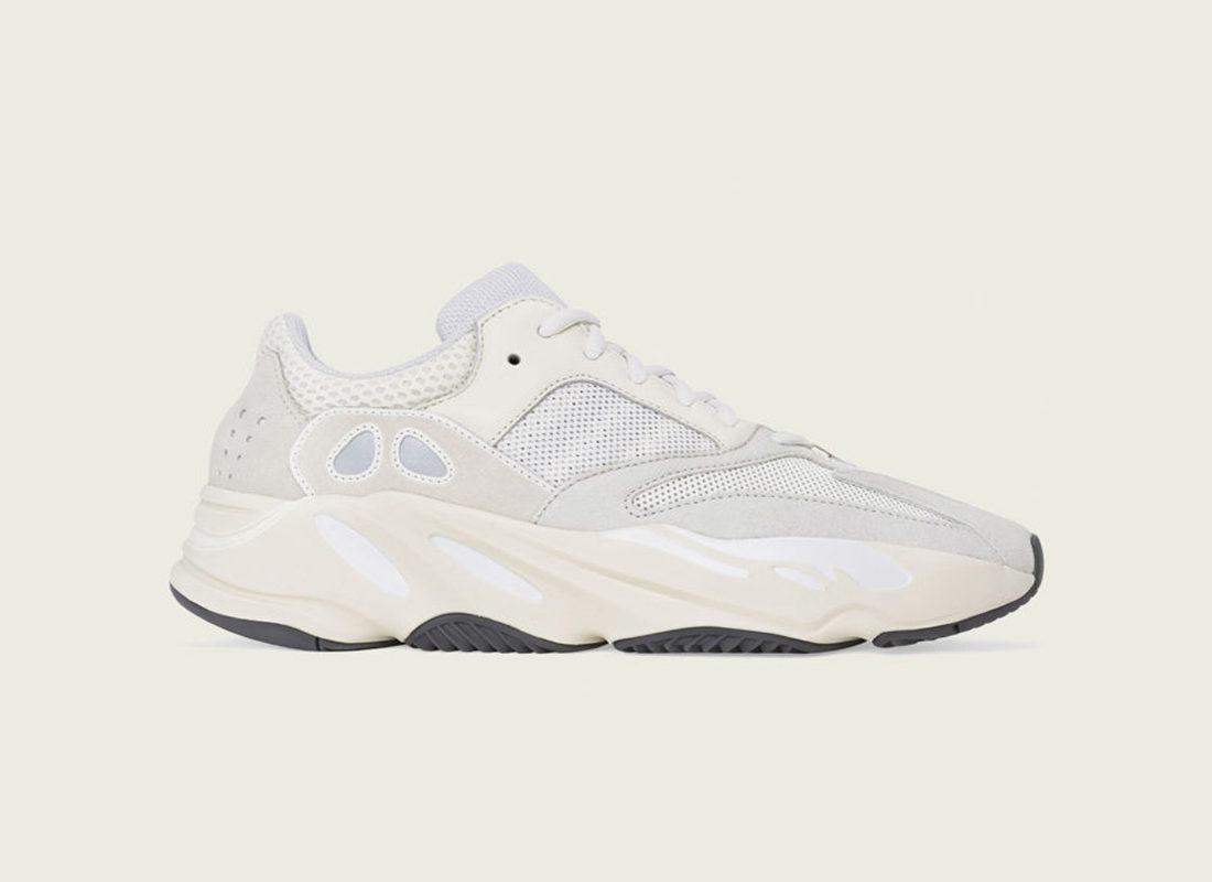 100% genuine pre order on feet images of Une adidas Yeezy Boost 700 Analog à venir - Le Site de la ...