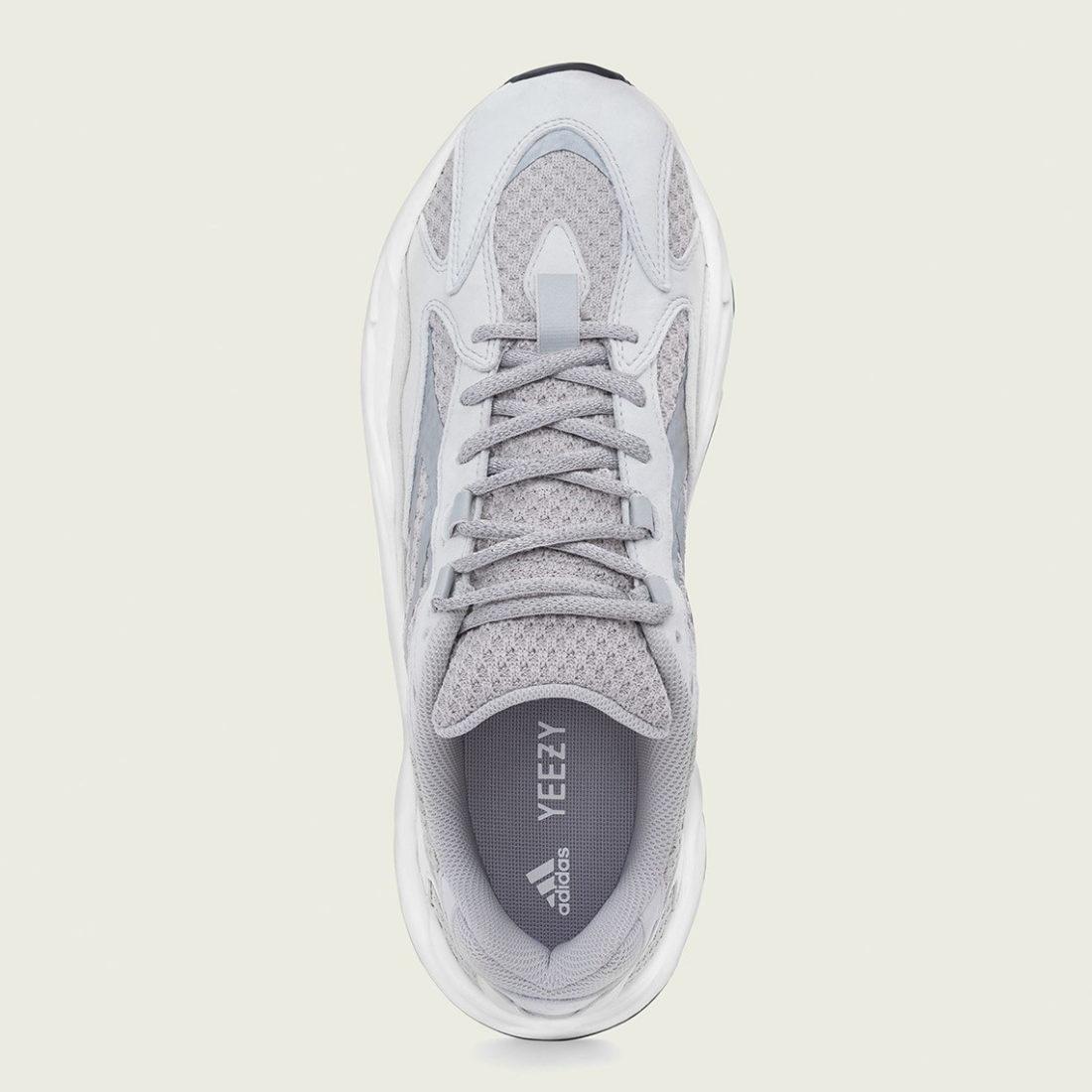 adidas yeezy boost 700 blanche