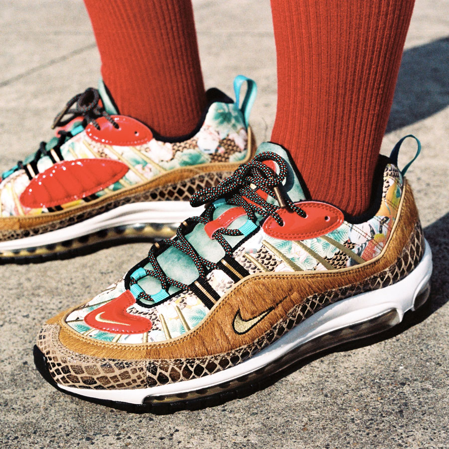 taille 40 b5784 0824f Preview: Nike Air Max 98 Chinese New Year - Le Site de la ...