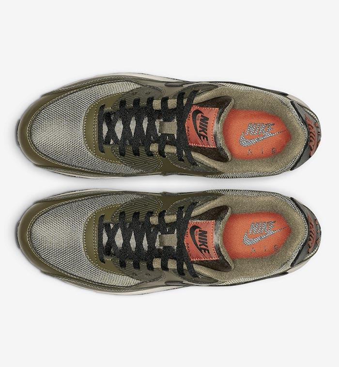 online store d12e1 ae981 Nike-Air-Max-90-Essential-AJ1285-205-04