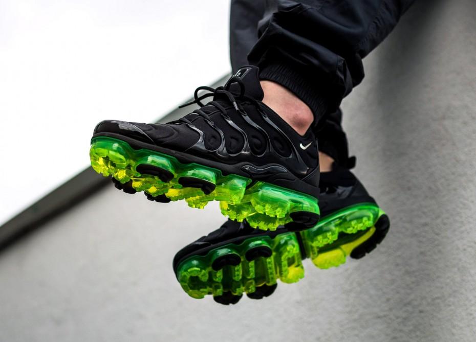126d5226b27 Nike Air VaporMax Plus Black Volt - Le Site de la Sneaker