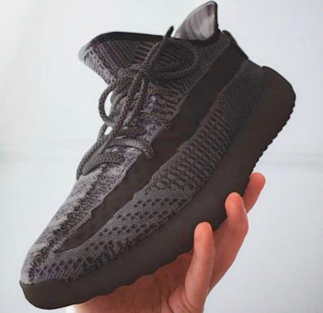 Une adidas Yeezy Boost 350 V2 Black à venir Le Site de la
