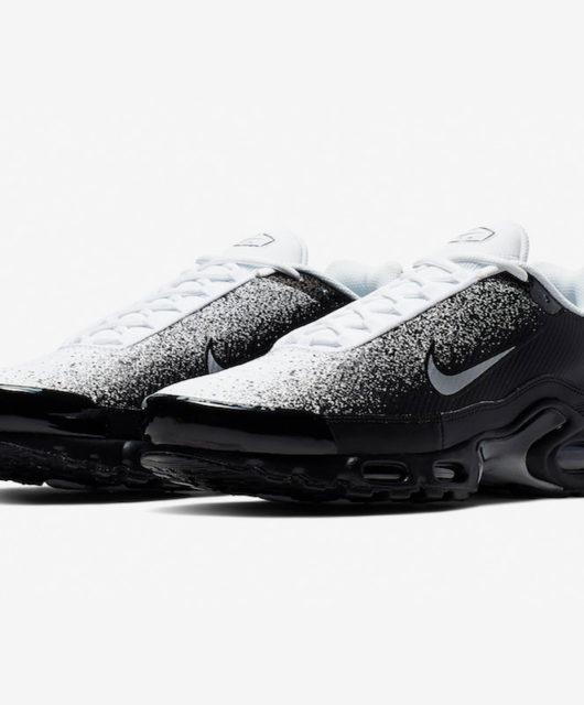 buy popular ff9f1 b8a32 Nike dévoile la Air Max Plus Black White Spray Paint